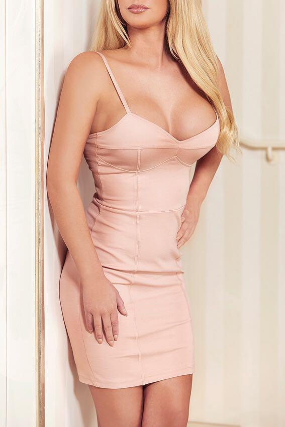 Laura Escort Model